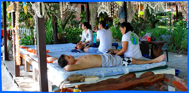Koh Samed Activities  - beach thai massage
